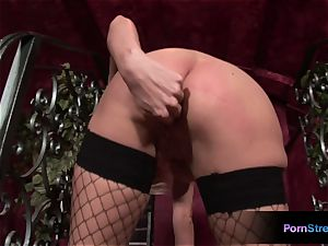 super-hot Alexis shows her saucy goodies