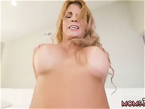 Italian inexperienced cam and plump towheaded hotwife steamy mummy plowed Delivery dude