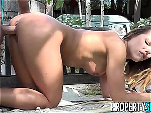 incredible babe makes her schoolteacher splat his jizz on his face