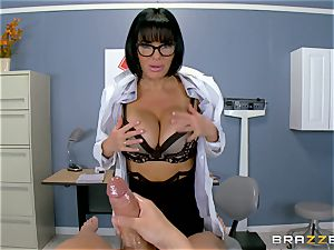 Veronica Avluv makes sure this super-fucking-hot patient is completely satisfied