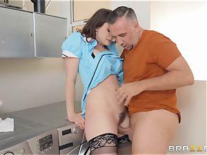 nasty maid Chanel Preston